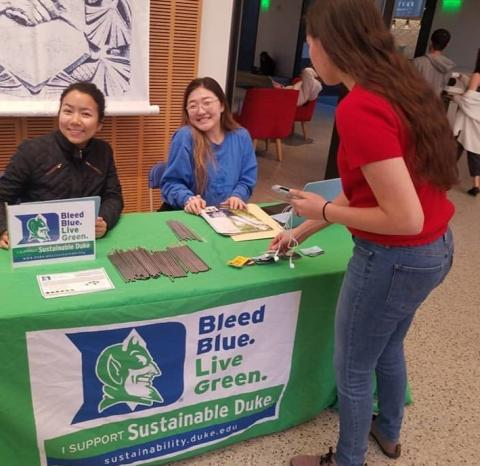 Green Devils give out steel straws funded by the Duke Green Grant to reduce single use plastics on campus